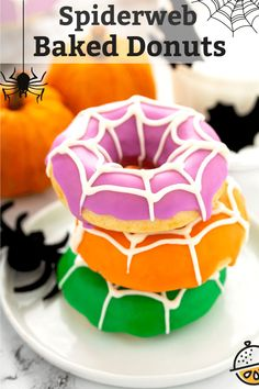Start Halloween day with these Spiderweb Baked Donuts! This simple baked donut recipe yields tender, moist and delicious donuts that are quick, easy and fun to make and above all spooktacular! #HalloweenTreatsWeek #lemonblossoms #easyrecipe #breakfast #baked #Halloween Halloween Food Crafts, Halloween Desserts, Halloween Treats, Fall Treats, Spooky Halloween, Baked Donut Recipes, Baked Donuts, Waffle Recipes, Doughnuts