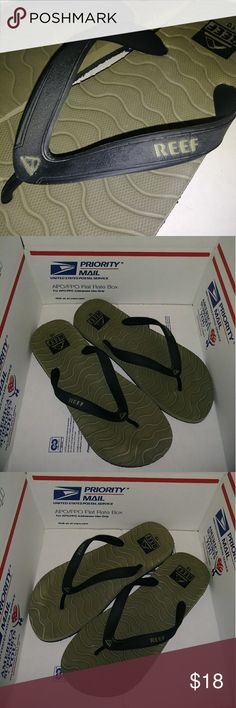 12411636b525 Reef Men Gray Flip Flops In good condition. Color  Gray and Black.