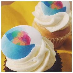 We always love seeing our corporate cupcakes go out! Get your logo on a cupcake today. Call us or go online to order. #thecupcakequeens #corporatecupcakes