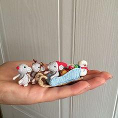 Christmas Mice. Santa's Sleigh pattern by Uljana Semikrasa