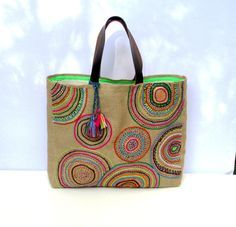 Funky Geometric Embroidered tribal motives on jute tote bag, handmade, unique… Jute Tote Bags, Tote Bags Handmade, Cotton Decor, Hand Applique, Bag Patterns To Sew, Quilted Bag, Market Bag, Leather Handle, Purses And Bags