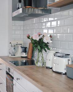 Scandi Home, Scandinavian Kitchen, Kitchen Rules, Country Kitchen, Kitchen Interior, Kitchen Decor, Interior Plants, Interior Design Inspiration, Home Decor Inspiration