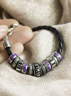 Animal lovers will love this paw print beaded bracelet! Plus every purchase helps shelter animals in need!