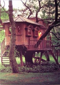 Falcon's Perch  The playhouse designer and the carpenter who produced this exquisite little tree house on Long Island not only collaborated on the project, but also got married not long after its completion.