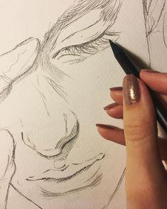 Знаете, когда смотришь на то, что собрался рисовать, и прям умираешь. Когда нравится все!!! 😍😱💚осталось только воплотить! 😀👌Начало положено;) иногда у меня возникают мысли, что мне нужно брать моделей, самой их красить, сажать, фотографировать, обрабатывать и рисовать. Но потом, глядя на эти перечисления, мысли пропадают. Это все-таки не лимоны в институте фоткать, чтоб потом на просмотре было че показать 😅#процесс #акварель #рисунок #скетч #живопись #арт #drawing #painting