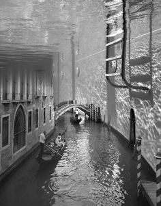 Splashdown in Venice by Thomas Barbèy. °