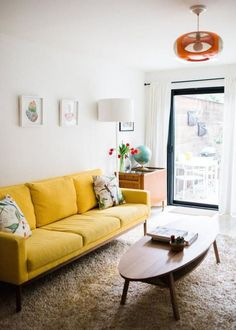Inspiring Yellow Sofas To Perfect Living Room Color Schemes 43 - DecOMG Yellow Living Room Furniture, Bedroom Furniture Design, Bedroom Sofa, Bed Room, Living Room Scandinavian, Cozy Living Rooms, Scandinavian Style, Scandi Style, Living Room Color Schemes