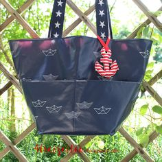 4 Freizeiten: Eine Tasche für matschige Lebenslagen - die Westi (ein Freebook); nähen Wachstuch Papierboote Wachstuchtasche von Zucker und Zimt Design für Westfalenstoffe