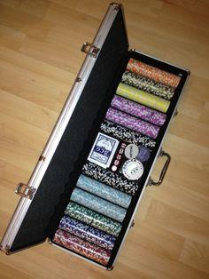 Großer Poker Koffer  Da zu selten benutzt wird er verkauft. 3 Kartendecks Dealer Button mit Timer 5 Würfel Chips von 5-1000 Alles noch Komplett