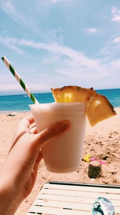 If you like pina coladas 🌼🌊 summer drinks, fun drinks, beach drinks, Beach Drinks, Summer Drinks, Fun Drinks, Beverages, Summer Aesthetic, Aesthetic Food, Summer Goals, Summer Fun, Summer Feeling