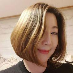 【図解】70歳で30歳の美しさだったランクル夫人の甲状腺マッサージとは - NAVER まとめ Face Massage, Home Spa, Korean Actresses, Health Care, Facial, Health Fitness, Hair Beauty, Skin Care, Long Hair Styles