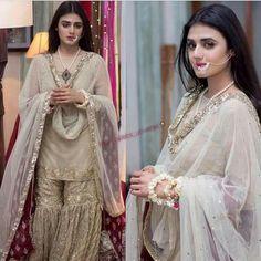 Get Custom Jewelry Designs Pakistani Wedding Outfits, Pakistani Bridal Wear, Pakistani Dresses, Indian Dresses, Indian Outfits, Bridal Lehenga, Pakistani Clothing, Pakistani Jewelry, Nikkah Dress