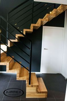 Most current Totally Free Carpet Stairs design Suggestions One of the fastest ways to revamp your tired old staircase would be to cover it with carpet. Stair Railing Design, Home Stairs Design, House Stairs, Carpet Stairs, Modern Stairs, Modern Staircase Railing, Modern Architects, Carpet Design, Stairways