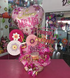 En @dencantos puedes conseguir hermosos detalles para mamá en su día 🌸💕 #CreacionesDencantos #Dencantos #Floristeria #Tarjeteria #Peluches… Chocolate Bouquet, Candy Bouquet, Kids Boutique, Ideas Para Fiestas, Mary Kay, Diy And Crafts, Balloons, Mayo, Floral