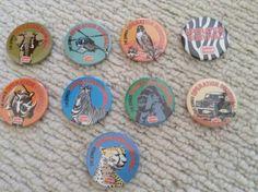 Vintage-retro-1980s-Golden-Wonder-Promotional-Badges-Operation-Survival-Set-Of-9