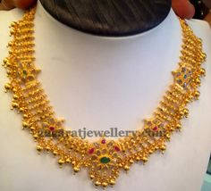 Jewellery Designs: Uncut Necklace with Circular Gold Balls
