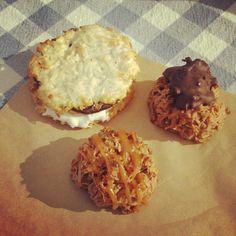 Macaroons! (and macaroon s'mores) @dannymacaroons @smorgasburg #yum #foodporn #nomnomnom
