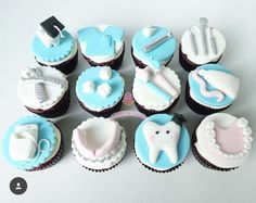 Dental themed cupcakes for a graduate {all edible} Large tooth cutter from All others handmade Fondant Cupcakes, Cupcake Cookies, Dental Cake, Tooth Cake, Cake Hacks, Graduation Cupcakes, Fondant Decorations, Crazy Cakes, Themed Cupcakes