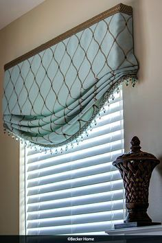 window treatments Super Ideas For Bathroom Window Valance Ideas Cornice Boards Diy Window Blinds, Bathroom Window Coverings, Kitchen Window Valances, Kitchen Window Treatments, Bathroom Windows, Blinds For Windows, Curtains With Blinds, Roman Blinds, Kitchen Curtains