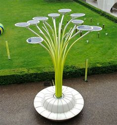 Solar Energy Trees Green - What a creative way to preserve energy!