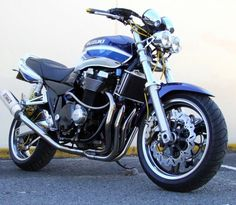 suzuki gsx 1400 2006 #bikes #motorbikes #motorcycles #motos #motocicletas Suzuki Gsx, Custom Cycles, Street Bikes, Sport Bikes, Road Bike, Cars And Motorcycles, Motorbikes, Yamaha, Honda