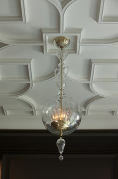 """Amazing ceiling detail - Baker Furniture """"Christal"""" Pendant designed by the late André Arbus by Kim Paige Ceiling Decor, Ceiling Design, Bedroom Ceiling, Ceiling Ideas, Ceiling Bed, Bedroom Decor, Interior Architecture, Interior And Exterior, Interior Walls"""