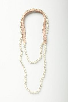 Gorgeous and so wearable!  Pearly Strand   Anthropologie.eu