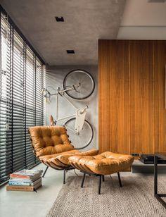Neste dois ambientes, a bike também vira item de decoração