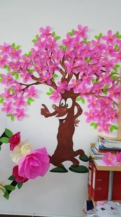 Ideas tree mural classroom - Crafts for kids Preschool Classroom Decor, Classroom Art Projects, Art Classroom, Preschool Crafts, Classroom Ideas, Spring Art Projects, Spring Crafts, Projects For Kids, Crafts For Kids
