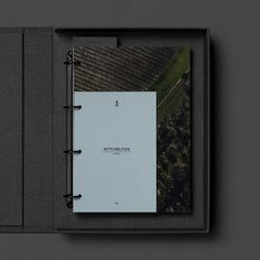 hotel layout Compendium and in-room collateral design for the Mitchelton Hotel. Collateral Design, Branding Design, Book Binding Methods, Printing And Binding, Hotel Architecture, Portfolio Book, Id Design, Folder Design, Hotel Branding