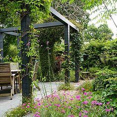 Formulas And Shortcuts For Terrace Garden 94 - athomebyte Small Courtyard Gardens, Small Courtyards, Small Gardens, Outdoor Gardens, Potager Garden, Pergola Garden, Terrace Garden, Patio Design, Garden Design
