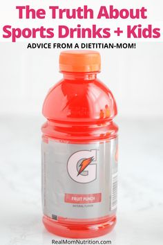 Find out when kids need sports drinks, what's in them, and how to make your own homemade version. Sports Snacks, Sports Drink, Kids Sports, Smoothie Drinks, Smoothies, Wee Games, Electrolyte Drink, Healthy Balanced Diet, Kid Drinks