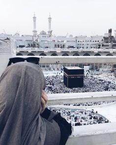 Beautiful Ka'ba in Mecca😍❤ Muslim Girls, Muslim Couples, Mecca Islam, Mecca Masjid, Hijab Dpz, Mekkah, Islam Women, Islamic Girl, Hijabi Girl