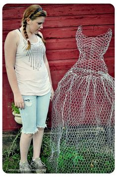diy chicken wire dress form.........tutorial | chicken wire