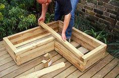 8 Excellent Pallet Garden Ideas For Your Backyard Wooden Garden Planters, Diy Planter Box, Raised Planter, Diy Planters, Planter Ideas, Landscape Timbers, Vegetable Garden Tips, Vegetable Planter Boxes, Vintage Garden Decor