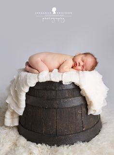 Jeneanne Ericsson Photography » » wine barrel