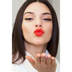 Kendall Jenner launches her own Estee Lauder lipstick ❤ liked on Polyvore featuring beauty products, makeup, lip makeup, lipstick, kendall jenner, models, estee lauder lipstick and estée lauder
