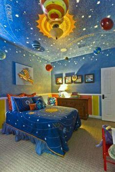 宇宙をテーマにこだわって作られた子供部屋。 ガリレオもこんなお部屋に住みたかったかも?!