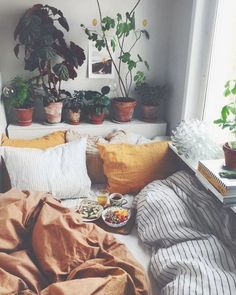 – A mix of mid-century modern, bohemian, and industrial interior style. Home and… – 2019 - Apartment Diy - A mix of mid-century modern bohemian and industrial interior style. Home and 2019 A mix of mid-c - Cozy Bedroom, Home Decor Bedroom, Diy Home Decor, Design Bedroom, Bedroom Ideas, Bedroom Green, Master Bedroom, Furniture Layout, Living Room Furniture