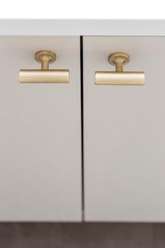 35 awesome knobs and pulls images knobs pulls cabinet hardware rh pinterest com