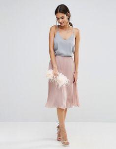 Radar mode #5 : 3 pièces qu'elles portent toutes à la Fashion Week à moins de 70 euros : Jupe Rose ASOS plissée