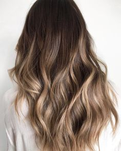 98 Best Balayage Hair Ideas for Summer top 10 Celebrity Balayage Hairstyles Rose Gold Balayage, 37 Awesome Blonde Balayage Hairstyle Ideas for Summer, 72 Brunette Hair Color Ideas In Trendy Hair Color Highlights Dark Brown Ombre & Balayage. Ombre Hair Color, Hair Color Balayage, Bronde Balayage, Balayage On Long Hair, Hair Colors, Natural Blonde Highlights, Full Highlights, Cabelo Ombre Hair, Pinterest Hair