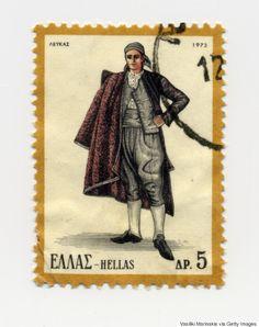 Από την Κρήτη ως την Ήπειρο: Οι παραδοσιακές ελληνικές φορεσιές που έγιναν γραμματόσημα και ταξίδεψαν σε ολo τον κόσμο My Stamp, Watercolor Illustration, Postage Stamps, Egypt, Culture, Traditional, Greek Costumes, Prints, Image