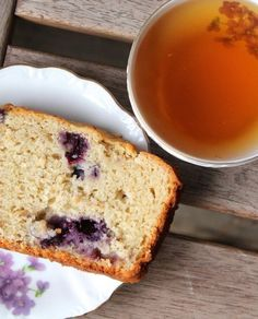 My favorite gluten-free blueberry bread! Made with greek yogurt, plump blueberries and fresh ginger. Blueberry Cookies, Gluten Free Blueberry, Blueberry Bread, Blueberry Recipes, Gluten Free Treats, Gluten Free Baking, Gluten Free Desserts, Gluten Free Recipes, Gf Recipes