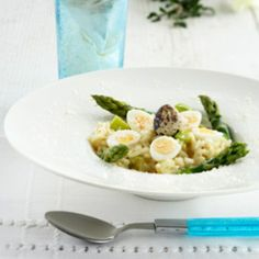 Asparagus risotto with boiled eggs - Parsarisotto, resepti – Ruoka.fi