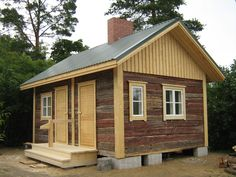 Guest House Shed, Tiny House Cabin, Log Cabin Homes, Cottage Homes, Cottage Style, Modern Saunas, Small Buildings, Wooden House, Old Houses