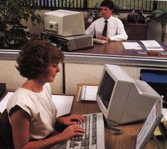 The Golden Age of Floppy Disks – 27 interesting photos of women at computers in the 1980s