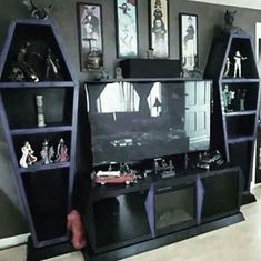 mysterious gothic living room decor ideas scary but cool! livingroomdec aber decor gothic ideas living livingroomdec mysterious scary excellent home decor tips are available on our web pages check it out and you will not be sorry you did homedecor Goth Home Decor, Funky Home Decor, Hippie Home Decor, Unique Home Decor, Gothic Living Rooms, Gothic Room, Gothic House, Gothic Bedroom Decor, Goth Bedroom
