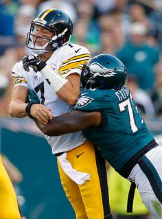 Vinny Curry of the Philadelphia Eagles sacks quarterback Ben Roethlisberger of the Pittsburgh Steelers during the third quarter of a game at Lincoln...