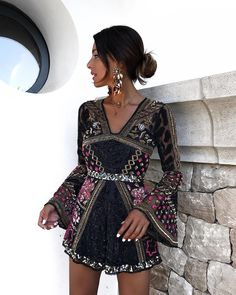 Idée et inspiration robe de soirée tendance 2017 Image Description French brand Sezane launched their winter collection online an hour ago and several pieces have already sold out. Fashion Mode, Look Fashion, Womens Fashion, Casual Dresses, Short Dresses, Fashion Dresses, Fiesta Outfit, Look Street Style, Mini Vestidos